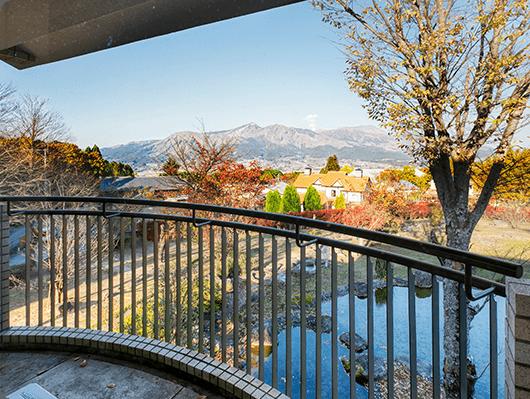 阿蘇五岳を臨む絶景のロケーション